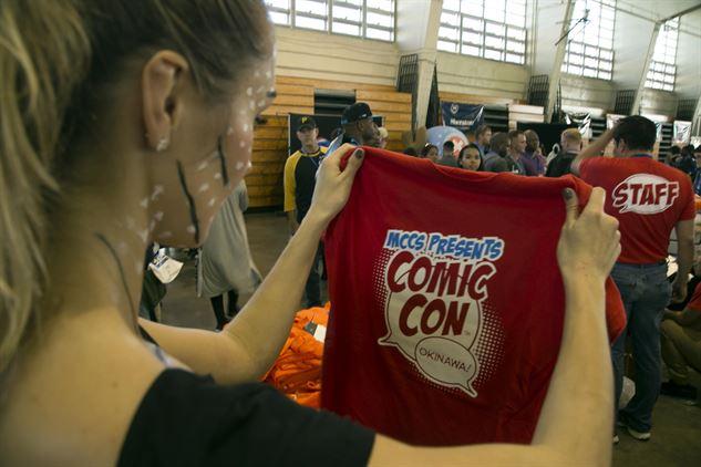femme geek tshirt comic