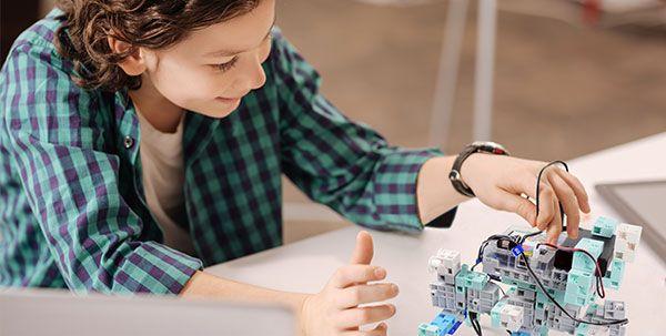 ecole robot pour apprendre la programmation